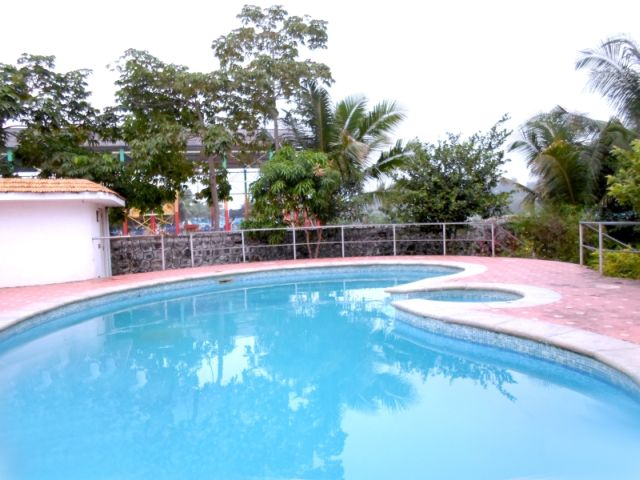 Beach house for hire chennai ecr anitha gardens for Hire a swimming pool for the garden